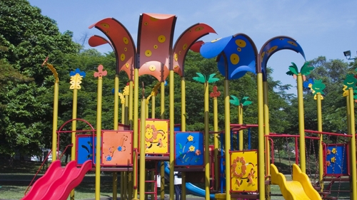 Playground-Safety-Tips-Every-Parent-/-Guardian-Needs-to-Remember