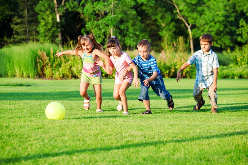 How-Do-You-Get-Your-Youngsters-to-Play-Outside-Rather-Than-Stick-to-Their-Gadgets