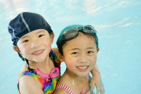 pool-essentials-6-things-to-bring-when-your-children-go-swimming